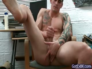 Amazing muscled and tattoed blank out wanking